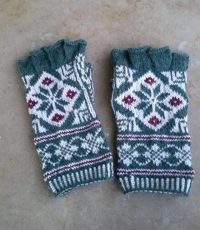 Hand knit fair isle mittens, Knitting